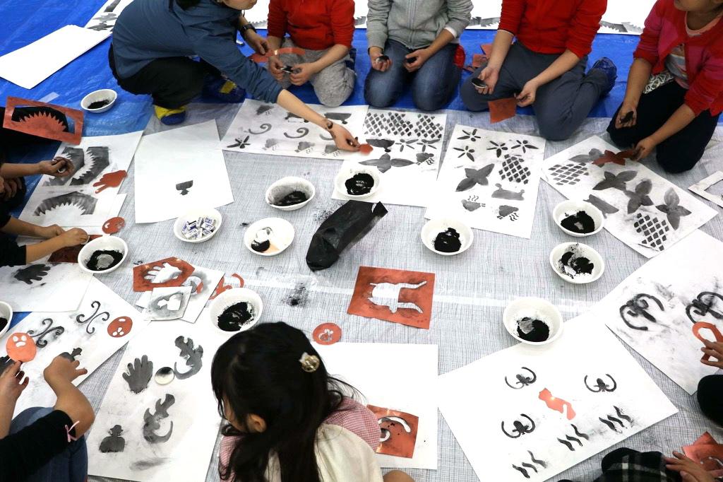 メイン写真:野原万里絵ワークショップ「ふしぎな道具で絵を描く1日」