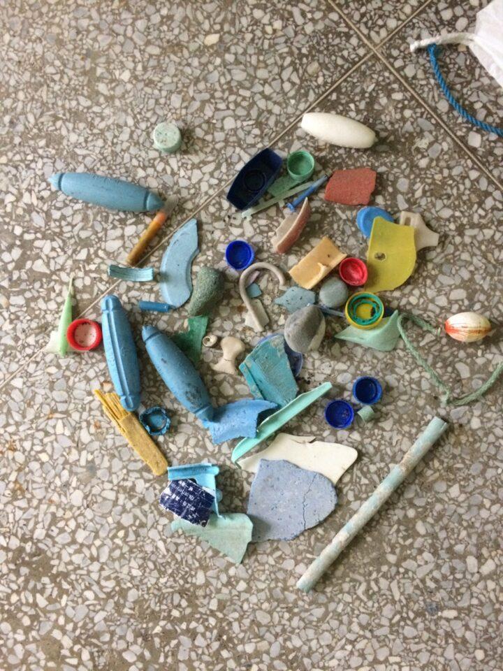 メイン写真:オープンスタジオ「唯ぽーと/海辺の漂着物収集所」