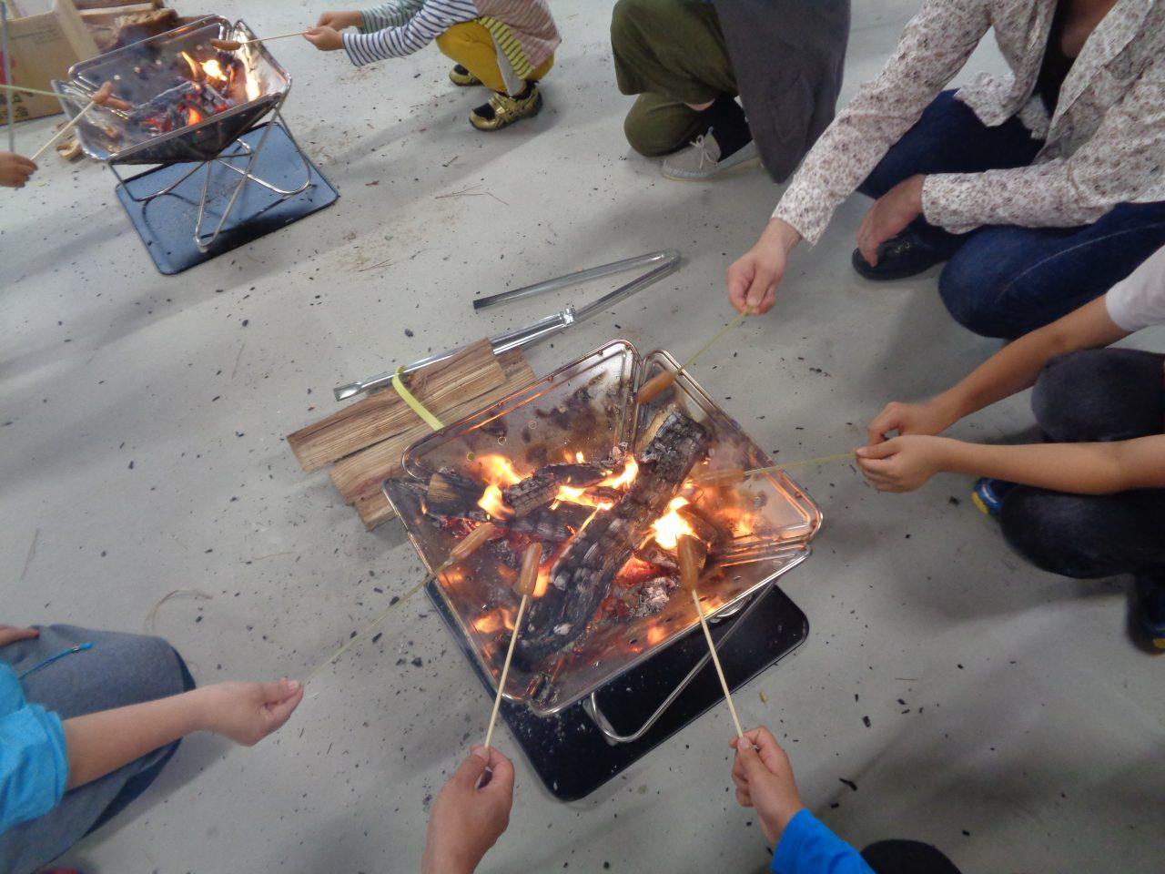 メイン写真:デイキャンプに挑戦(たき火・カートンドッグ)